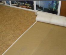 Качественная укладка линолеума на деревянный и бетонный пол